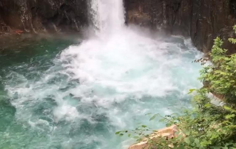 滝を見に行きませんか
